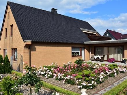 Zetel: Großes und gepflegtes Anwesen am Zentrumsrand in ruhiger Lage, Obj. 5224