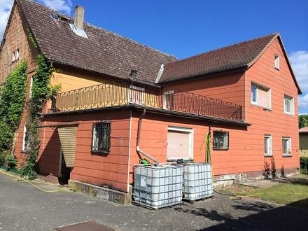 Zweifamilienhaus Altbau mit viel Fläche und viel Grundstück