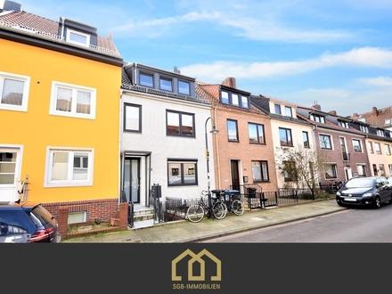 Neustadt / Aufwendig saniertes Zweifamilienhaus in zentraler Lage