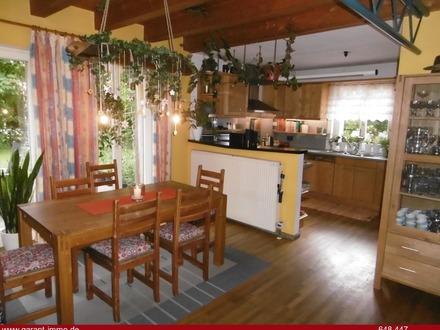 Natur PUR *Einfamilienhaus mit *großem, wunderschön eingewachsenem Garten*, PV Anlage * uvm.