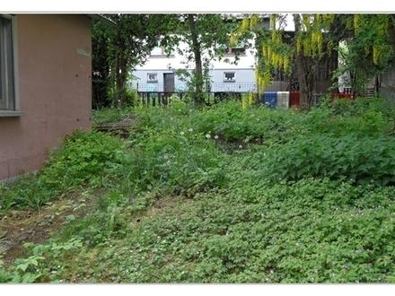 +++Sanierungsbedürftiges Doppelhaus mit Garten und Nebengebäude inkl. Carports und Garage +++