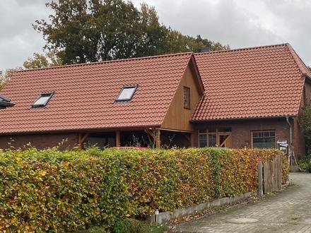 Reserviert ! Solides Einfamilienhaus in Loy mit Ausbaureserve und großem Garten im Bieterverfahren !