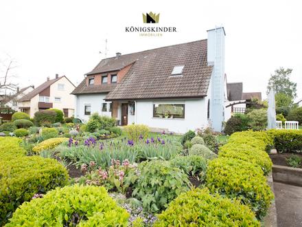 Freistehendes Einfamilienhaus mit großzügigem Grundstück