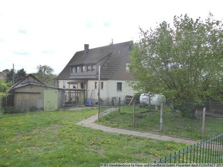 Gemütliches Einfamilienhaus mit Doppelgarage, Schuppen und großem Grundstück