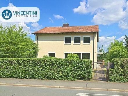 Freistehendes Einfamilienhaus mit zwei Vollgeschossen und Garage in schöner Lage Cortendorfs