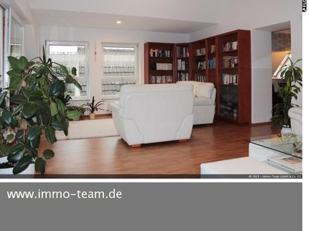 Wohn- und Geschäftshaus 2005 kernsaniert **Denkmalschutz**