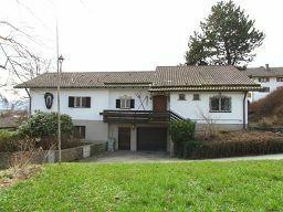 Zweifamilienhaus mit tollem Alpenblick - Reserviert!