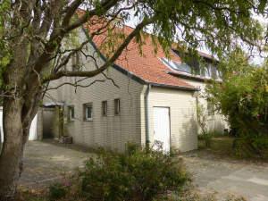 Renovierungsbedürftiges 3-Familienhaus in Stadtnähe