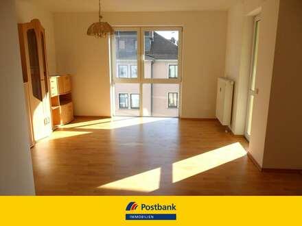 Top geschnittene und helle 2 Zimmer Wohnung mit Balkon