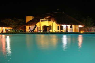 Pool, Restaurant, 10 Betten, 5-10 Minuten zum Strand