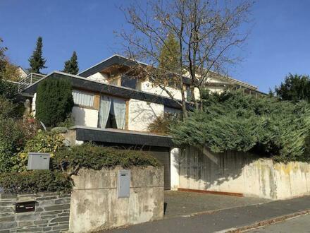Freistehender Bungalow mit Kamin und Garten in begehrter Wohnlage Idsteins