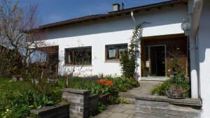 Zweifamilienhaus / Doppelhaus in guter & ruhiger Lage