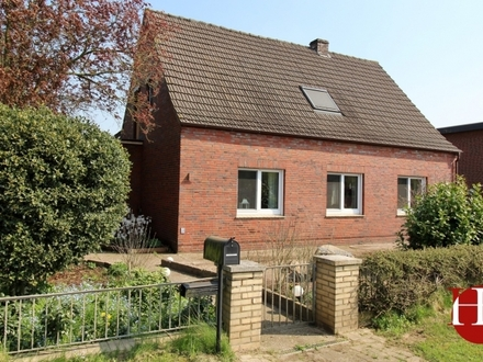 Ein Haus mit Charme und reichlich Platz für die Familie mit Liebe zur Natur!