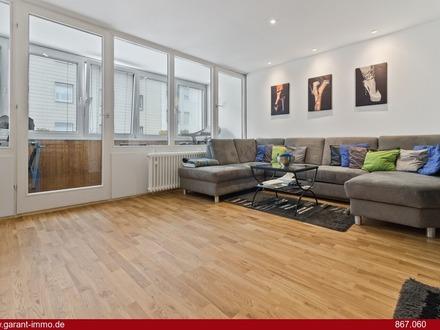 Helle 2 Zimmer Wohnung mit zwei Balkonen