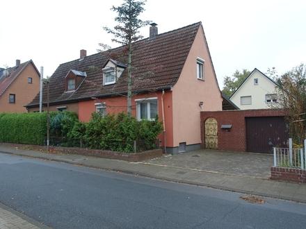 Ruhig gelegene Doppelhaushälfte mit Wintergarten in bevorzugter Lage von Peine!