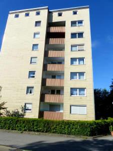 2 Zimmer 4.OG mit Balkon, teilrenoviert