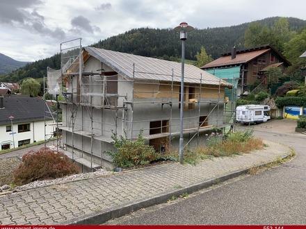 Grosses Einfamilienhaus mit vielen Möglichkeiten, vier Schlafzimmern, KfW Effizienzhaus 55