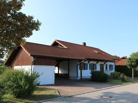 Ein- oder Zweifamilienhaus, Garage, Carport.......