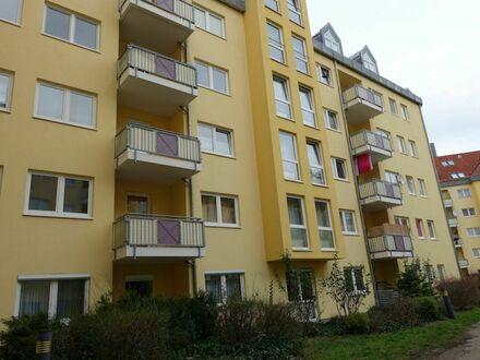 Neuwertige Terrassenwohnung zur parkähnlichen Grünanlage in Komfortwohnanlage mit Tiefgarage