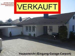 Komforthaus mit Aussicht - Garage & Carport