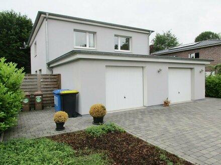 5192- Toll geschnittene und helle 3 Zimmerwohnung mit Garage in Oldenburg-Bürgerfelde!