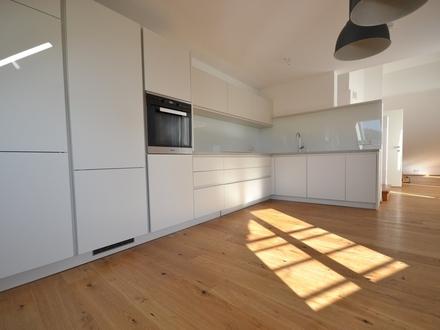 HALLEIN | SALZACHUFER | 3-Zimmer Dachgeschoss-Maisonette im renovierten Altbau
