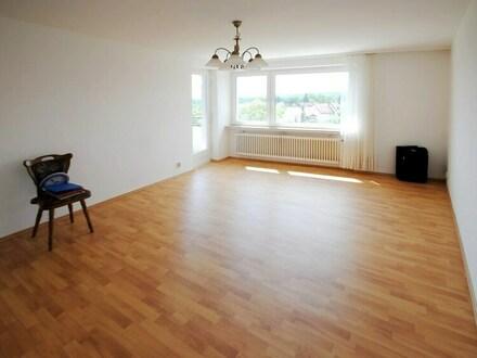 Sofort beziehbare, charmante 2 Zimmerwohnung mit toller Blicklage in Schwalbach!