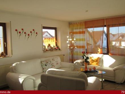 Sonnige Doppelhaushälfte in beliebtem Wohngebiet