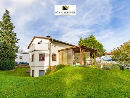 Familie und Büro vereinen: Großzügiges, gepflegtes EFH, Kamin, Gartenloggia, ELW, 2 Garagen