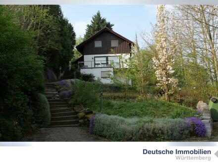 Einfamilienhaus mit ELW auf großem Grundstück in Steinheim