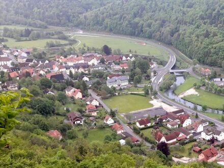4 7. 9 0 0,- für 6 7 9 qm erschlossenen BAUGRUND bei Ebermannstadt in Muggendorf / Wiesenttal