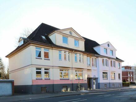 TT bietet an: Wohnetage mit Spitzboden im Villenviertel!