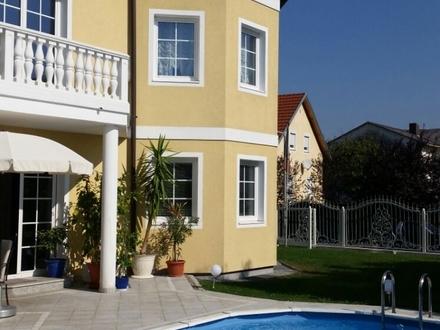 Dachgeschoss in herrlicher Villa- Arbeiten und Wohnen
