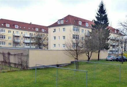 Wunderschöne 2-Zimmer-Dachgeschosswohnung in Seidnitz