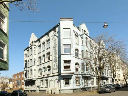 TT bietet an: Gründerzeitwohnung mit 132 m² in WHV-Süd!