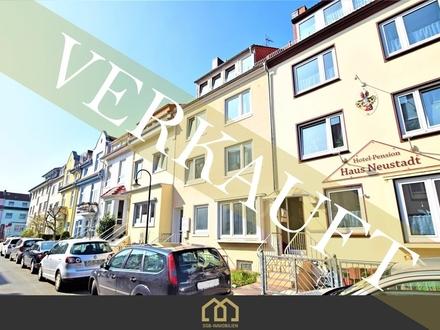 Verkauft: Neustadt / Lichtdurchflutete 3-Zimmer-Wohnung mit Balkon