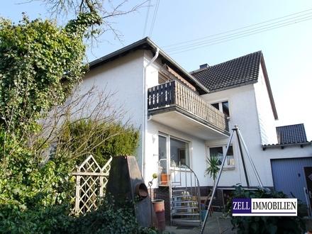 Nur ca. 11 Km nach Wiesbaden: Interessantes Ein- bis Zweifamilienhaus mit ELW in beliebter Wohnlage