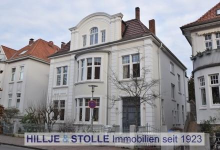 Charmante Altbauwohnung in denkmalgeschützter Altbauvilla in herrlicher Lage - OL Ziegelhofviertel!