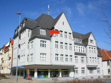 Geräumige 2-Zimmer Wohnung mit Balkon nahe des Kreishafens