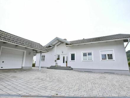 Sankt Georgen am Längsee - Launsdorf : großzügiges Familienhaus in sonniger Lage mit gepflegtem Garten und Garage