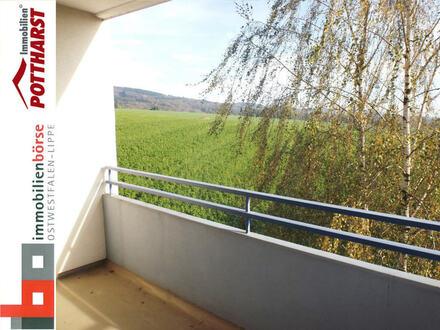 Lichtdurchflutete 3-Zi. Wohnung - Vom Balkon genießen Sie einen malerischen Ausblick!