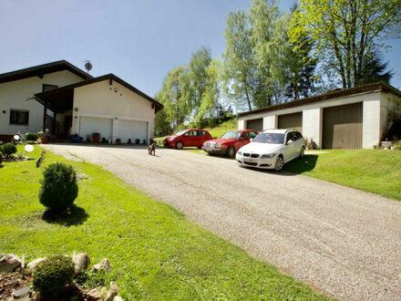 Hallenbad & Sauna, 3 Wohnungen und viel Grund über Wolfsberg in schöner Aussichtslage