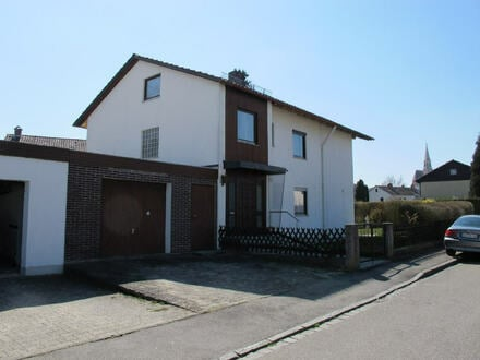 freihstehendes Einfamilienhaus mit Anbau und voll unterkellerter Garage in Neuötting