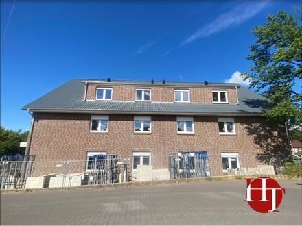 Neubau-Erstbezug im KfW-40 Effizienshaus: Hochwertig, modern, barrierefrei und... mit Einbauküche!