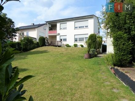 Charmantes Zweifamilienhaus in ruhiger, zentraler Wohnlage von Lemgo-Brake!