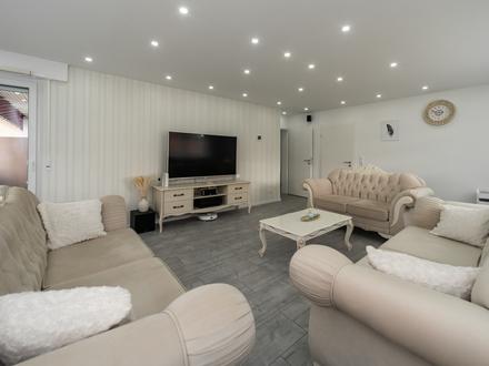 Top-Renovierte Wohnung in bevorzugter Lage zu verkaufen