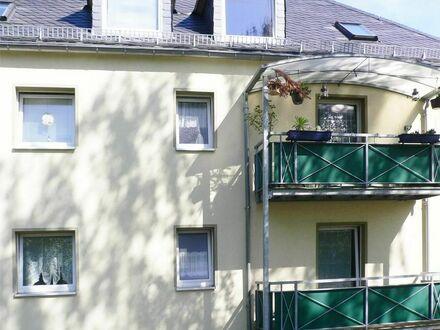 Schön geschnittene Wohnung mit Balkon und Einbauküche!