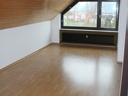 Ruhige 2 1/2 Zimmer Dachgeschoss-Wohnung sucht sportliches Paar