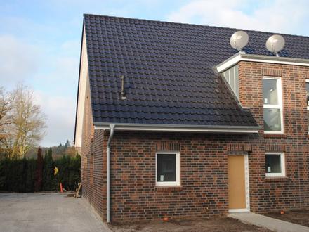 Hochwertige Neubau-Doppelhaushälfte in Bad Zwischenahn (Nähe Zwischenahner Meer)