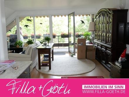 Außergewöhnliche DG-Wohnung mit sehr großem Balkon!